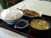 豚汁と肉と野菜の炒め物たち