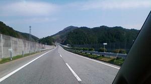 中国自動車道を走っていると眠たくなるのは僕だけですか?