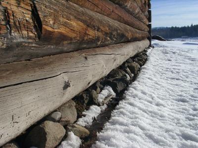 石積みの基礎がイケてます。