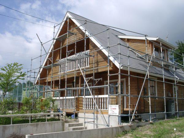 ログハウスの再塗装。施工前の写真
